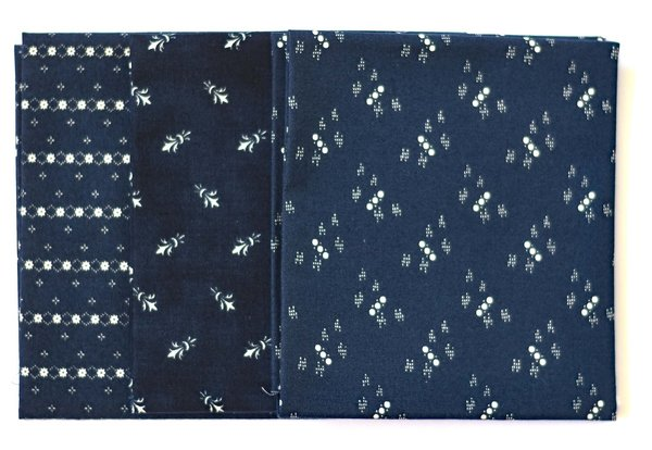 "Moda ""Primitive Gatherings"" Fat Quarter Bundle Indigo Gatherings, Artikelnummer 1803"